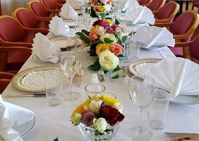 bord-pyntet-til-selskap